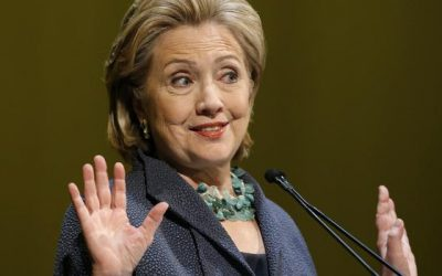Clinton's Tech Specialist Asked Reddit How to Hide Emails